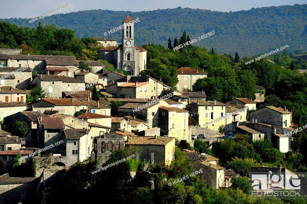 Imagen: France, Ardeche, Balazuc, labelled Les Plus Beaux Villages de France (The Most Beautiful Villages of France), overlooking the Ardeche river.