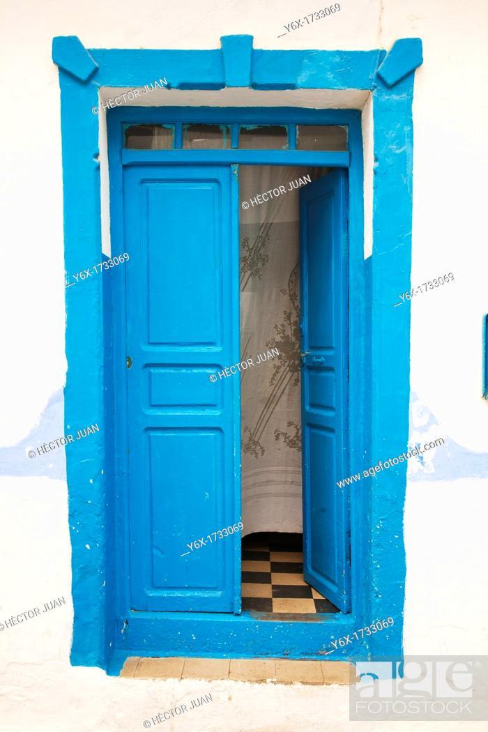 Stock Photo: A door in Asilah.