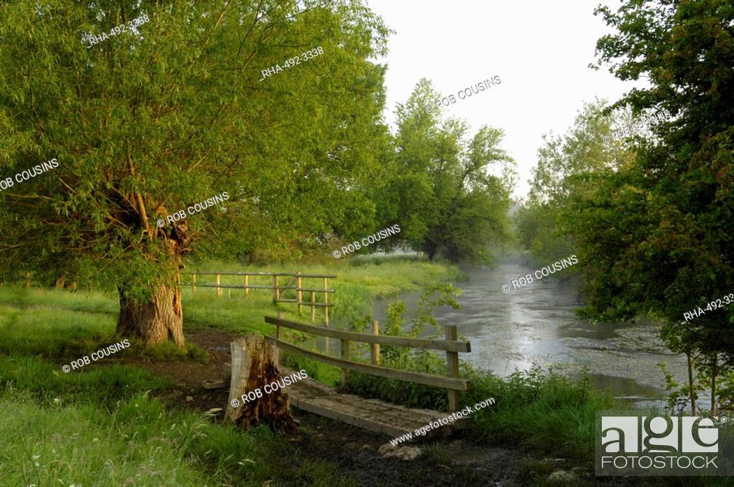 Stock Photo: The River Windrush near Burford, Oxfordshire, the Cotswolds, England, United Kingdom, Europe.