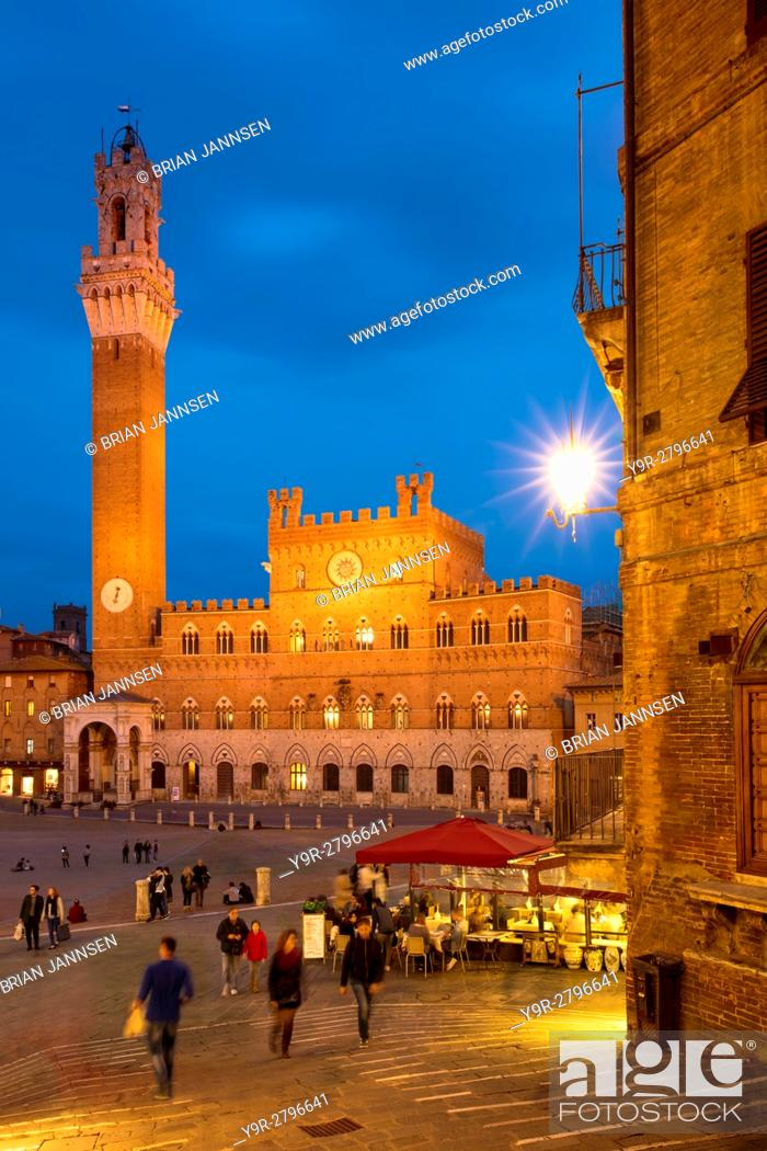 Stock Photo: Twilight over Torre del Mangia and Piazza del Campo, Siena, Tuscany, Italy.