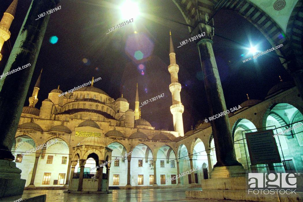 Stock Photo: Turkey, Istanbul, Sultan Ahmet Camii, Blue Mosque at Night.