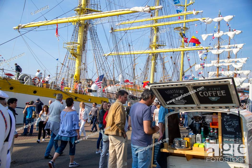 Photo de stock: tall ships at Sail 2019 in harbour of Scheveningen in Holland.