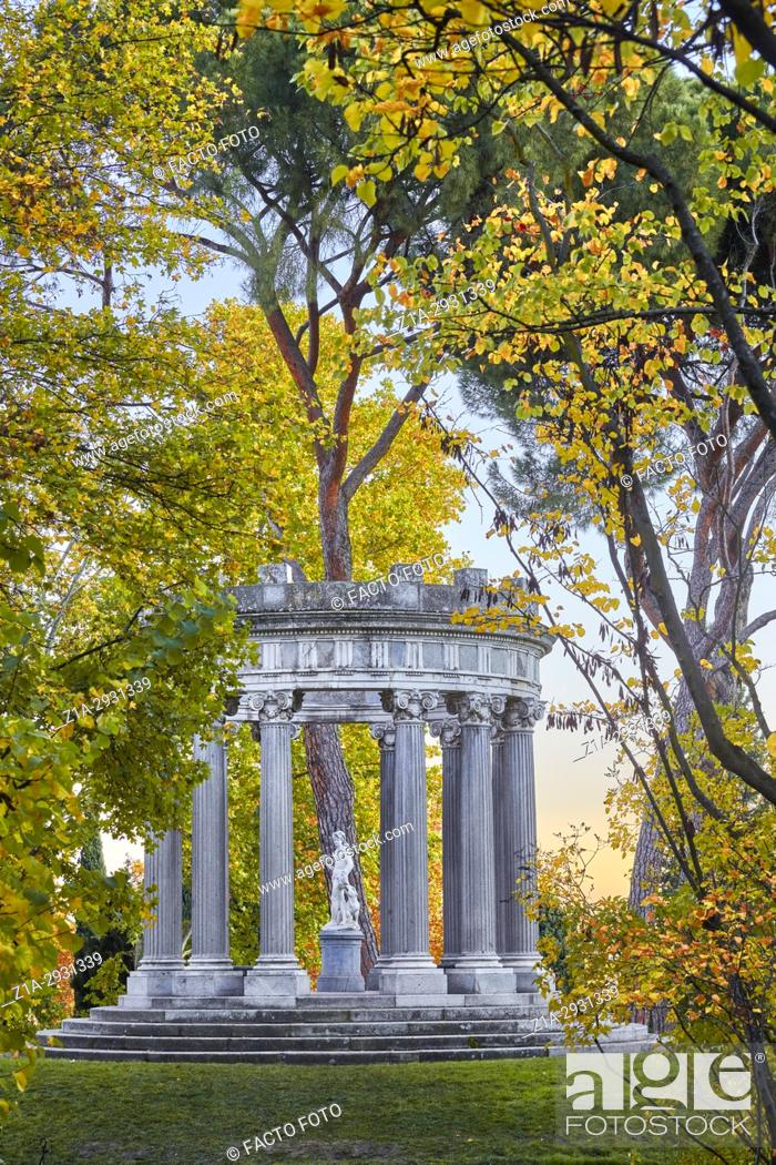 Imagen: Autumn at the Capricho Park (The Folly). Madrid. Spain.