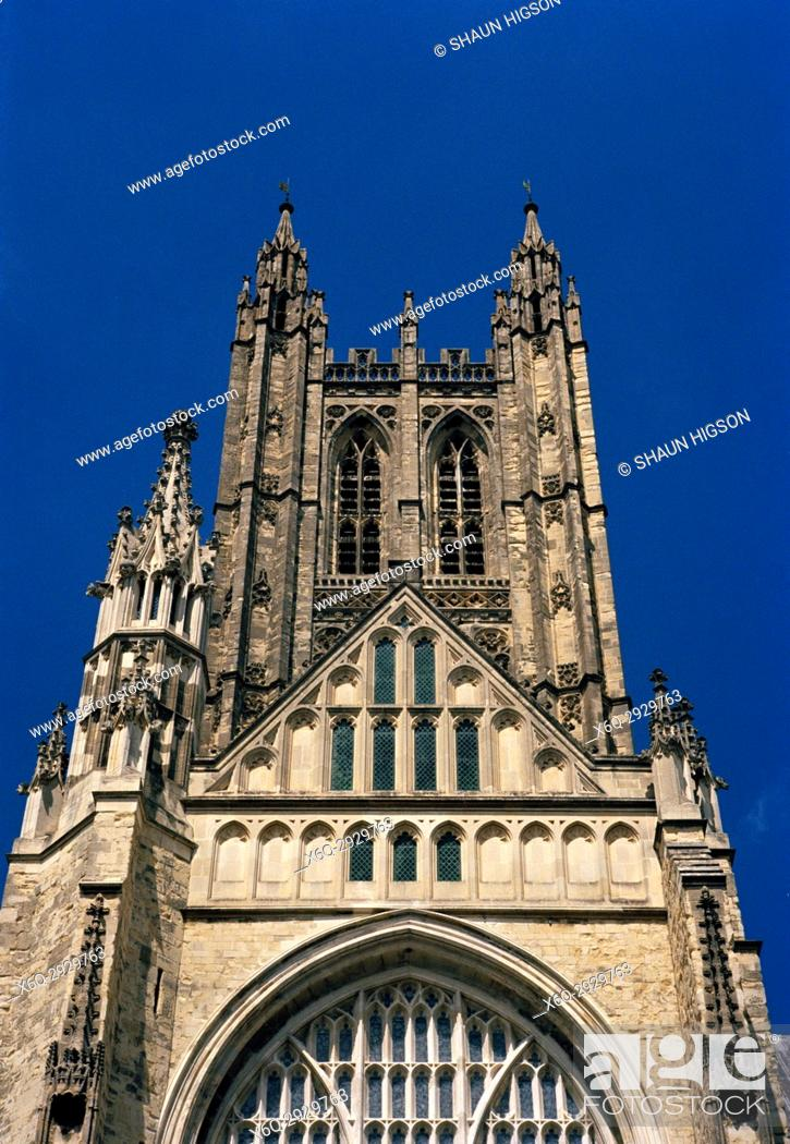 Imagen: Central Tower or Bell Harry Tower of Canterbury Cathedral in City of Canterbury in Kent in England in Great Britain in the United Kingdom UK Europe.