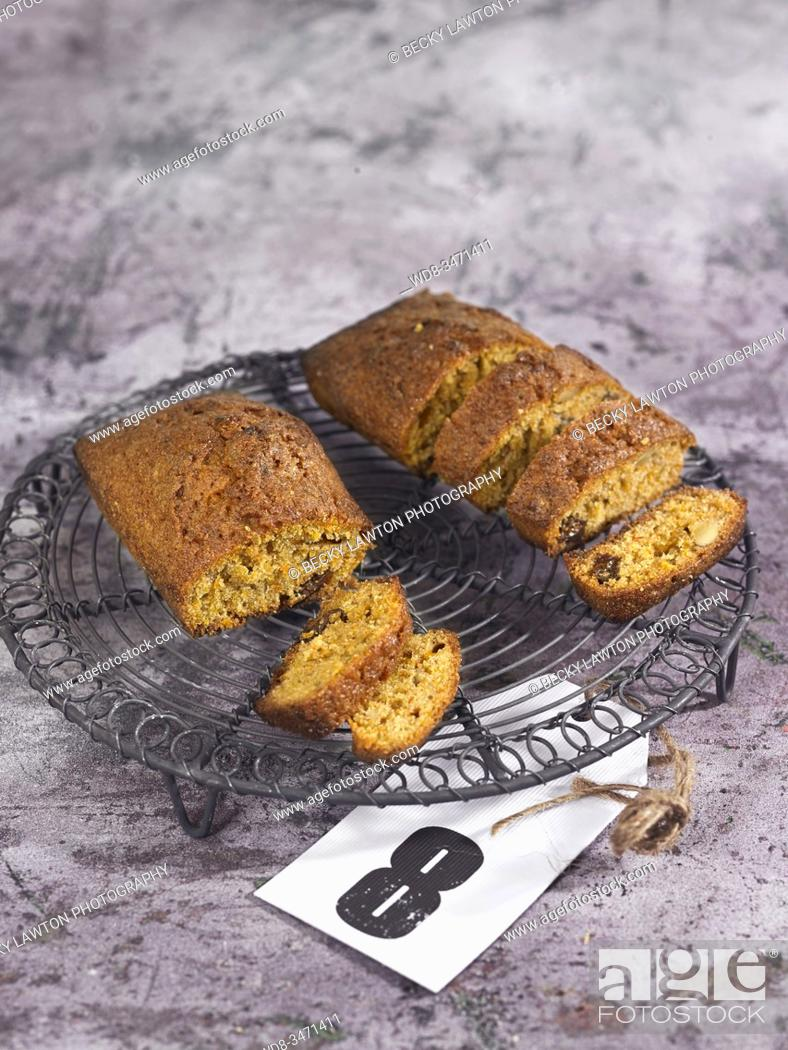 Stock Photo: pastel de zanahoria / carrot cake.