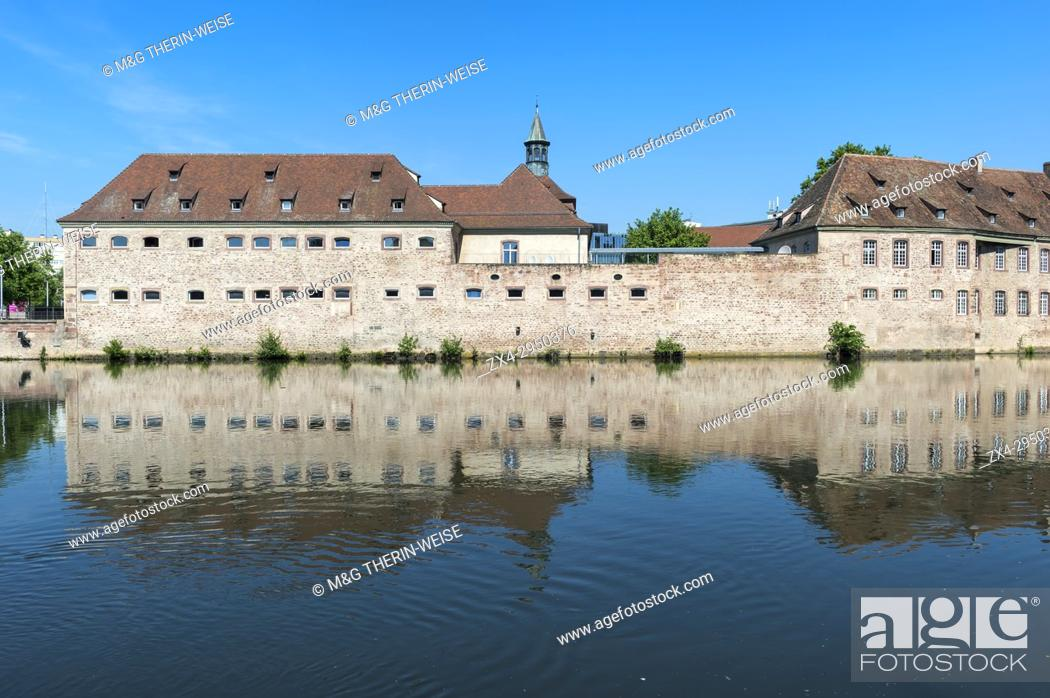 Photo de stock: National School of Administration or ENA in the former Commanderie Saint Jean along the ILL Canal, Strasbourg, Alsace, Bas-Rhin Department, France.