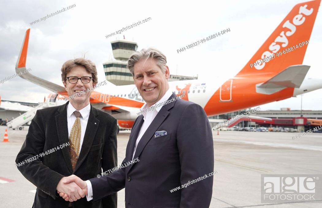 Stock Photo: 27 March 2018, Germany, Berlin: Engelbert Luetke Daldrup (L), managing director of the Berlin-Brandenburg Airport Company.