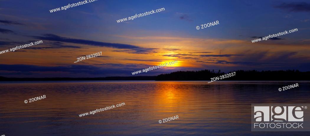 Stock Photo: Der Näsijärvi ist ein Binnensee im Westen Finnlands. Er ist Teil der von Sued nach Nord verlaufenden Seenkette Näsijärvi-Vankavesi-Ruovesi-Tarjannevesi.