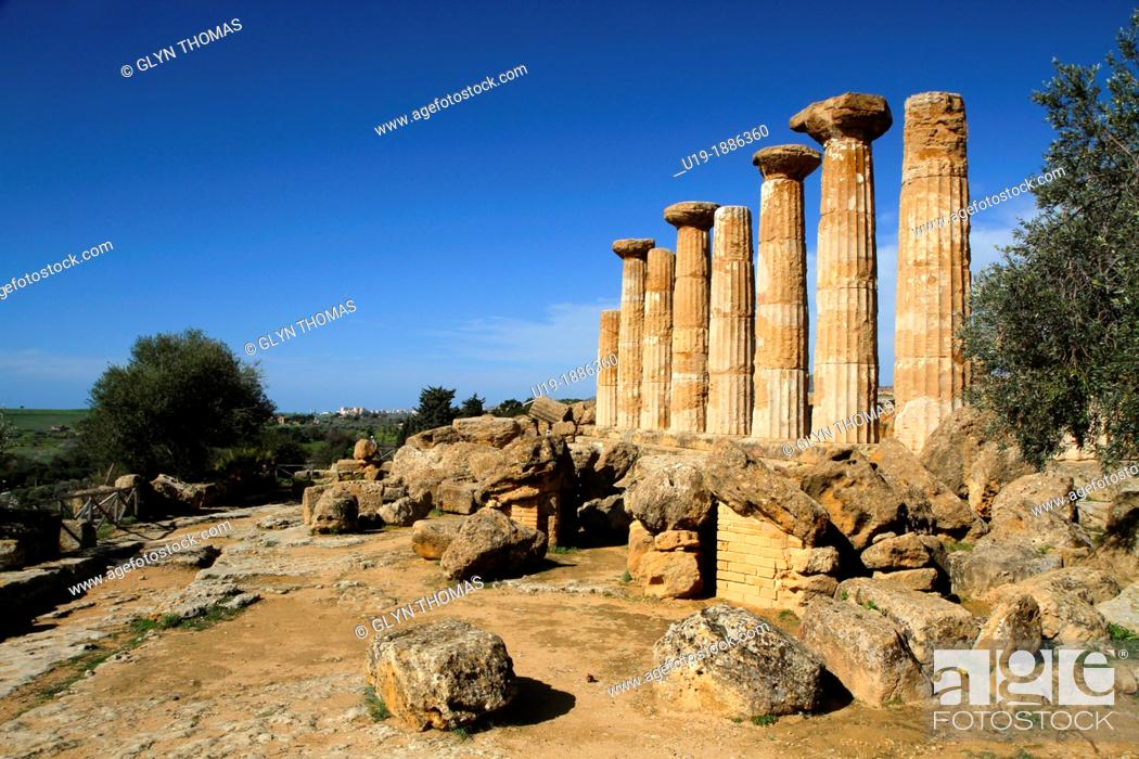 Stock Photo: Temple of Herakles Hercules, Valley of the Temples, Agrigento, Sicily, Italy.