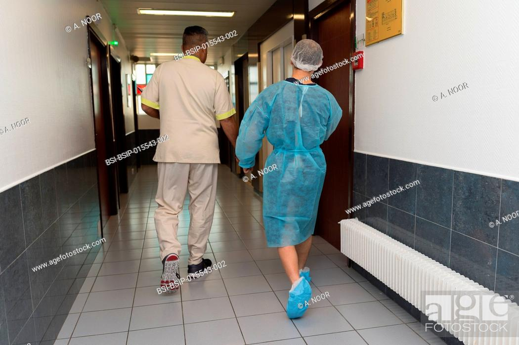 Stock Photo: Reportage in the orthopedic surgery service in Saint George Clinic, Nice, France. Treating a torn cruciate ligament with ligament surgery using the Sambba.