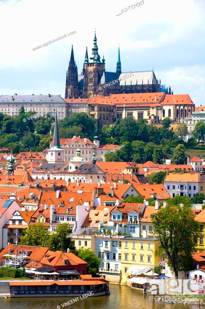 Stock Photo: Czech Republic - Prague - Mala Strana Prague 1 District - View of Hradcany and the royal castle.