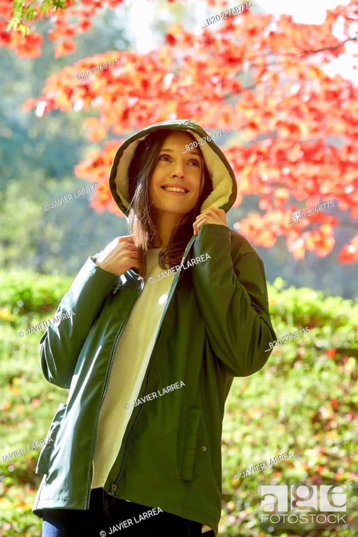 Imagen: Woman, Autumn, Pagoetako Parke Naturala, Pagoeta Natural Park, Aya, Gipuzkoa, Basque Country, Spain.