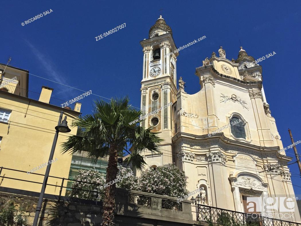 Stock Photo: Italy, Liguria, Laigueglia, San Matteo Church. . . .