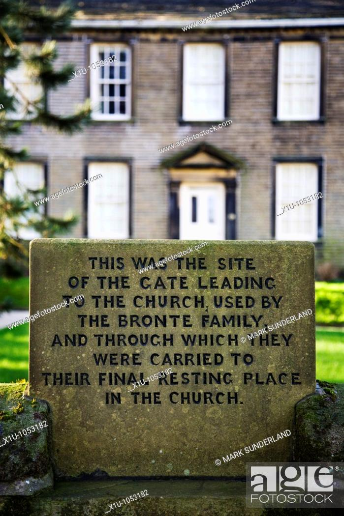 Imagen: Sign at the Bronte Parsonage Museum in Haworth West Yorkshire En.