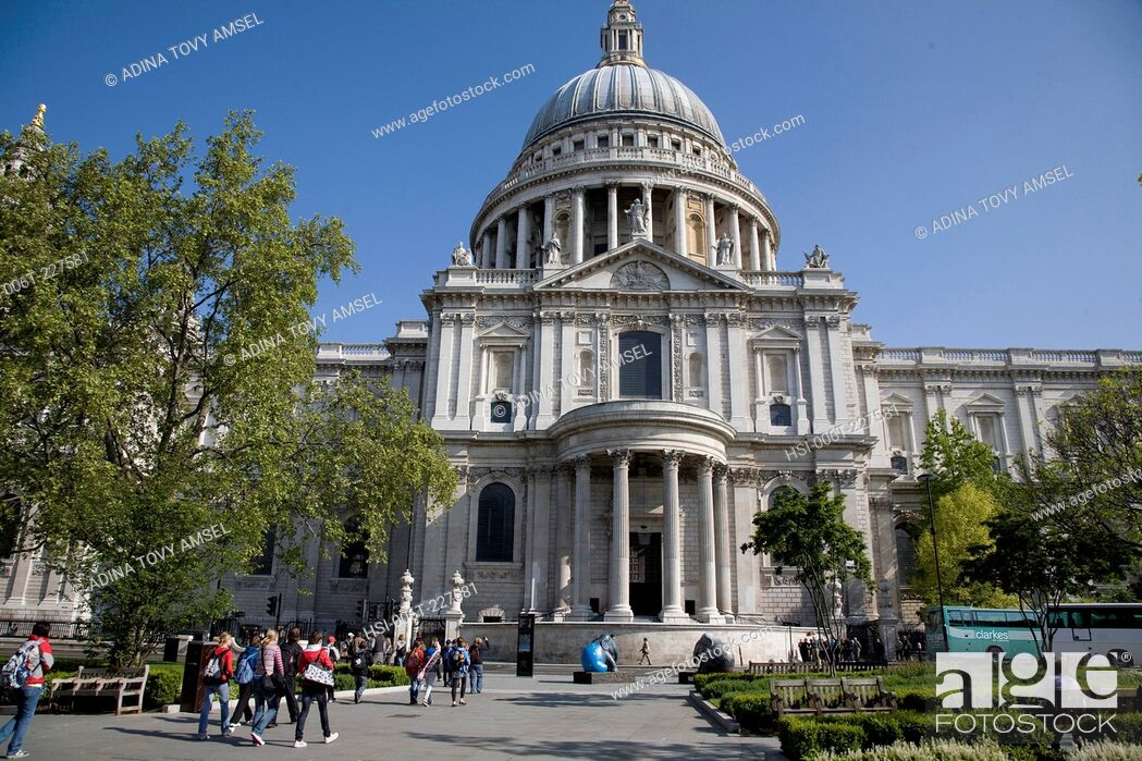 Stock Photo: Saint Paul's Cathedral. City of London. England.