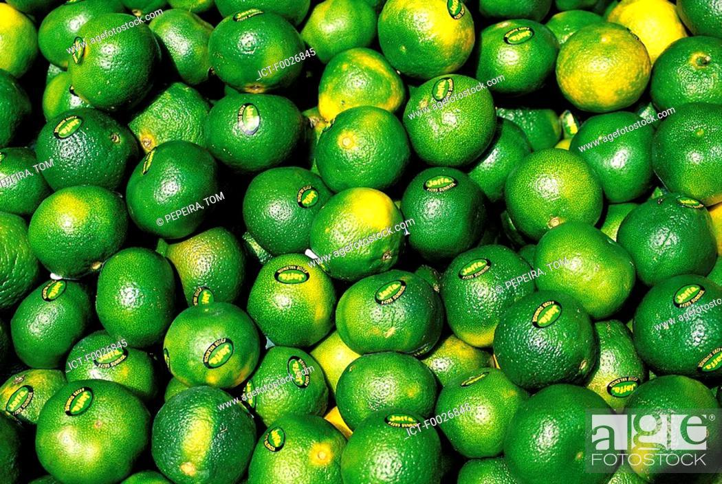 Stock Photo: Israel, Tel Aviv, green lemons for sale.