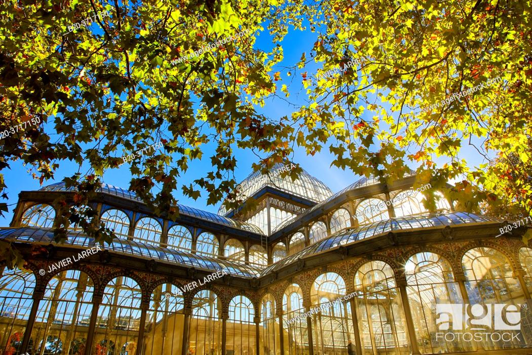 Stock Photo: Palacio de Cristal, Parque del Retiro, Madrid, Spain, Europe.