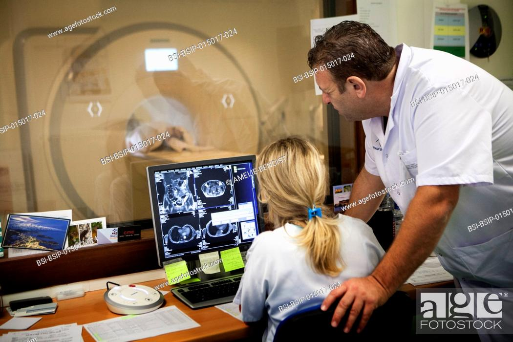 Stock Photo: Reportage in a radiology service in a hospital in Haute-Savoie, France. MRI scan.