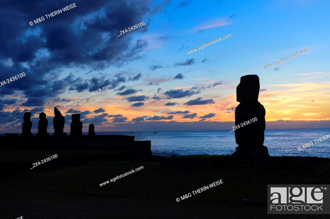 Stock Photo: Tahai ceremonial complex at sunset, Hanga Roa, Rapa Nui National Park, Easter Island, Chile, Unesco World Heritage.