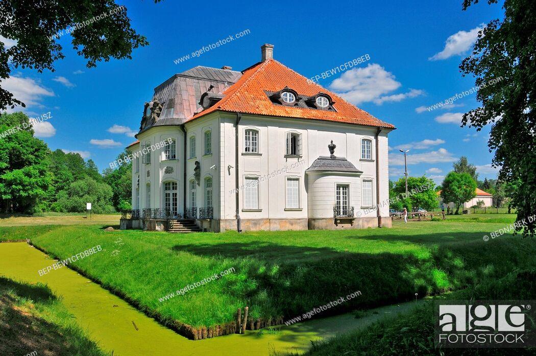 Imagen: Branicki Palace in Choroszcz, Podlaskie voivodeship, Poland. The historic Branicki Palace was built in 1745-1764 for the magnate Jan Klemens Branicki on an.