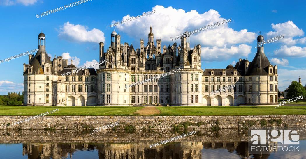 Imagen: The beautiful Château de Chambord (Chambord Castle) in the Loire Valley, Loir-et-Cher, France, Europe.