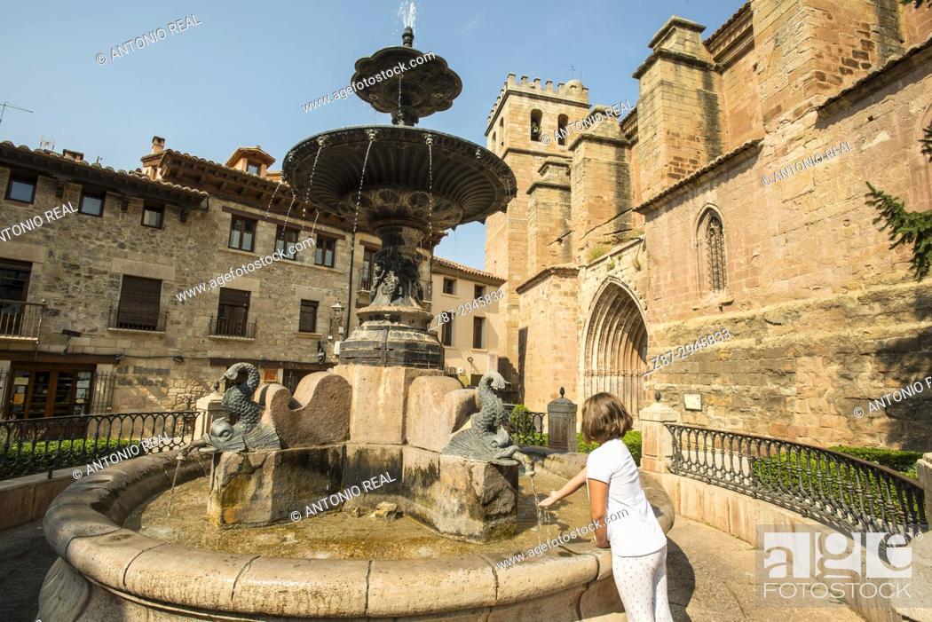 Stock Photo: Plaza de la Iglesia e Iglesia ex Colegiata de la Natividad. Mora de Rubielos. Camino del Cid. Aragón. Spain.