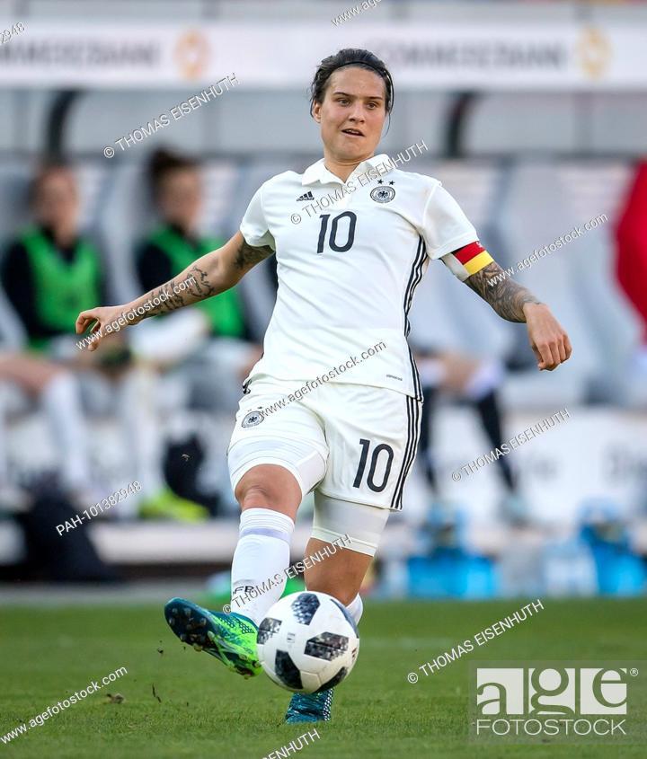 Dzsenifer Marozsan Germany Am Ball Ges Fussball Frauen