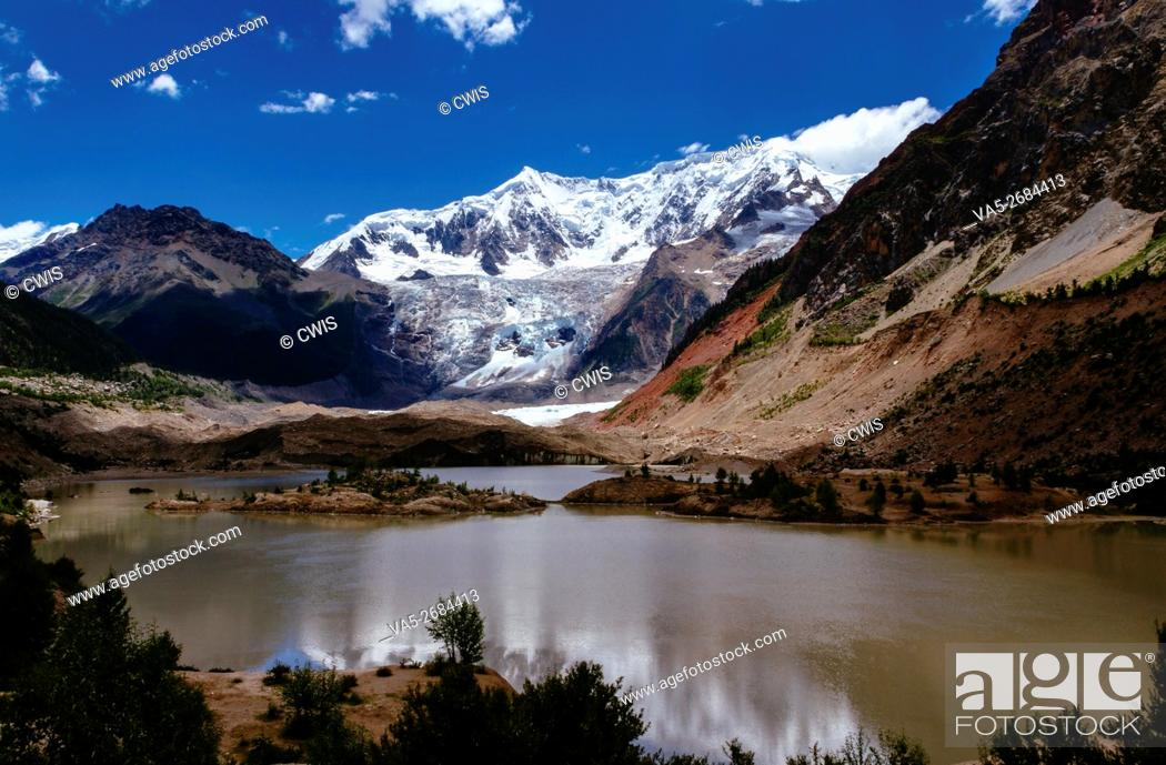 Imagen: Midui Glacier, Nyingchi, Tibet - The beautiful landscape of Midui Glacier, one of the most beautiful glacier in China.