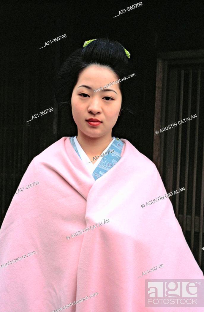 Stock Photo: Portrait of 'maiko' (Geisha apprentice). Kyoto, Japan.
