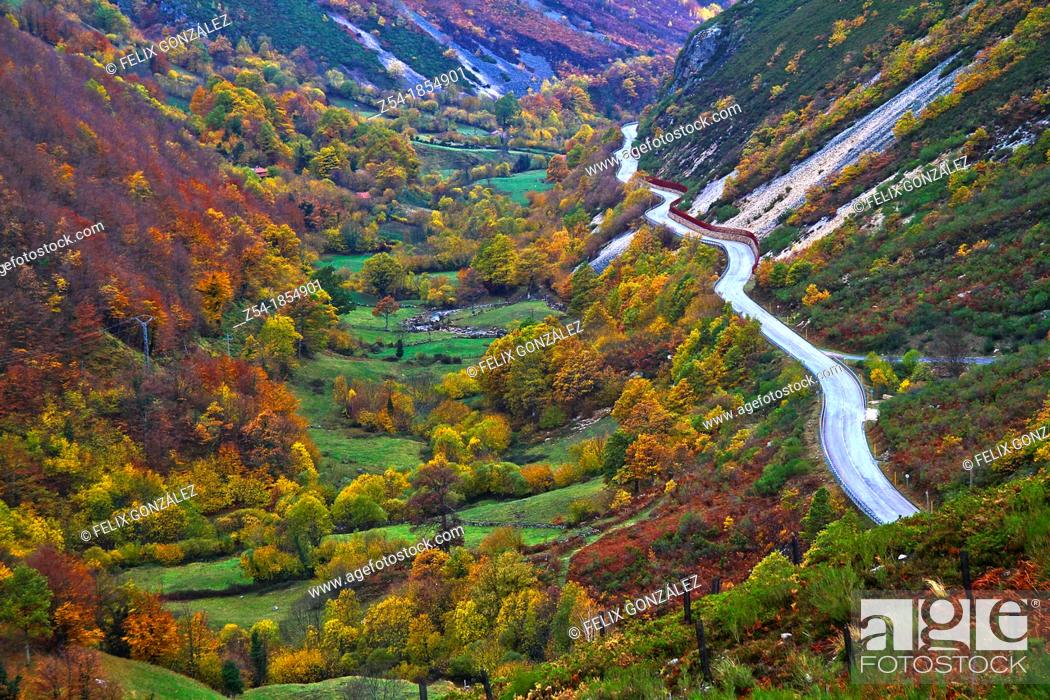 Stock Photo: Overview of San Isidro road pass in Felechosa, Asturias, Spain.