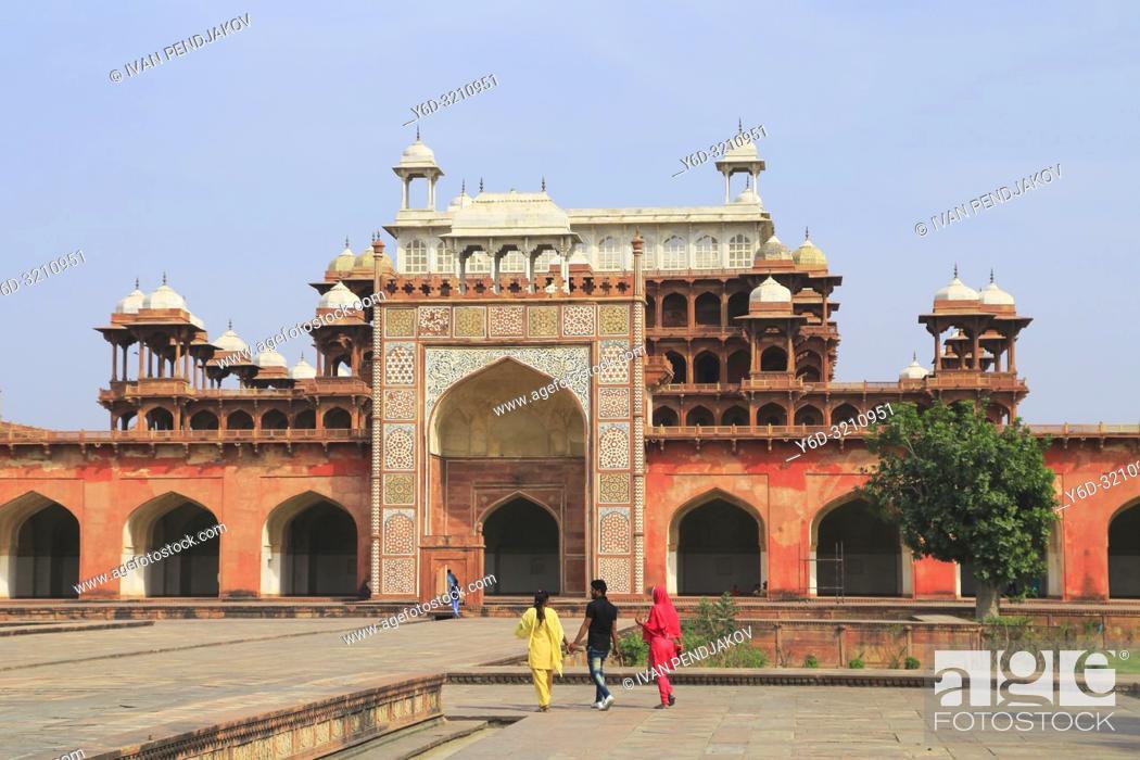 Stock Photo: Tomb of Akbar the Great, Agra, Uttar Pradesh, India.