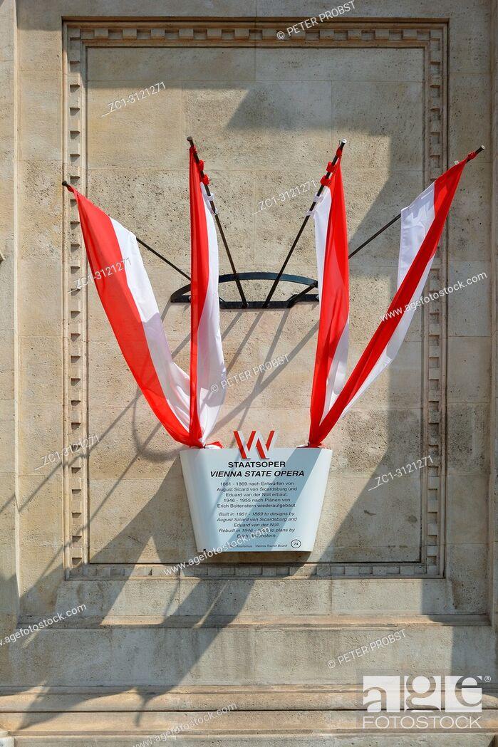 Imagen: Information board about the Vienna State Opera in the Austrian capital Vienna - Austria.