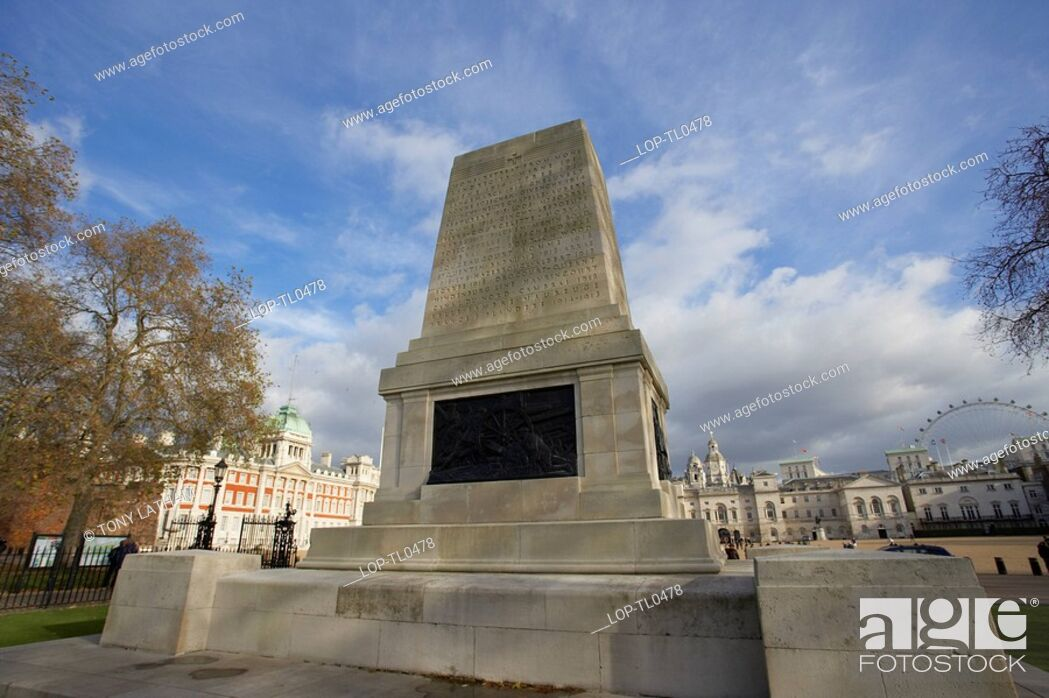 Imagen: England, London, Westminster, The War Memorial at St James Park with Horse Guards Parade in the background.