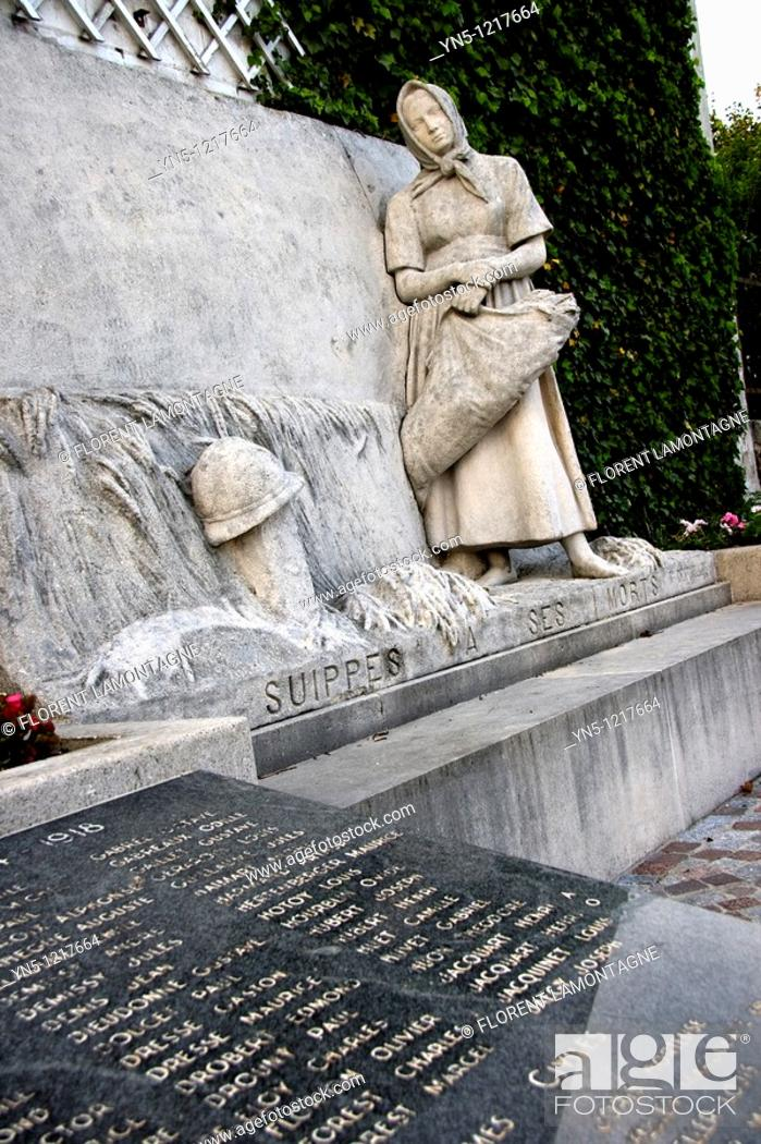 Stock Photo: France, Champagne-Ardenne, Marne 51, Suippes - Memorial to the soldiers who died during the First World War.