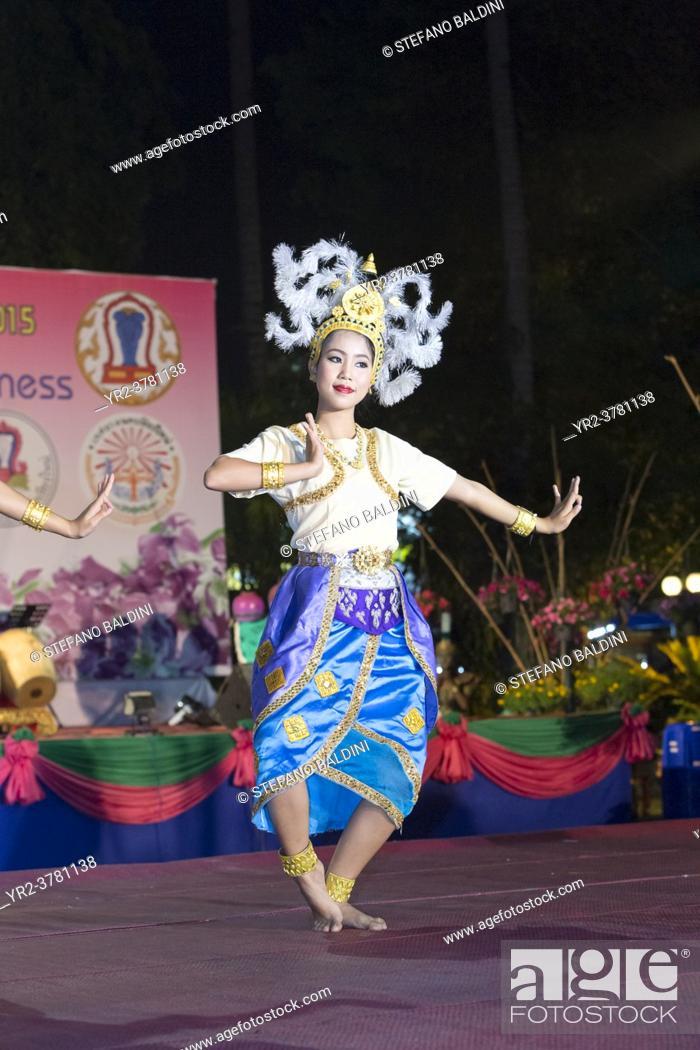 Imagen: Traditional thai dance show, Chiang Mai, Thailand.