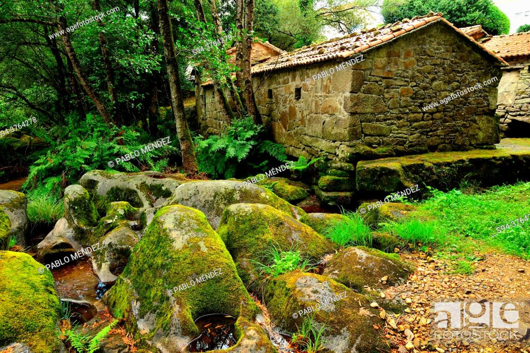 Imagen: Ethnological museum of the mills of Mosquetin, Baio, A Coruña, Spain.