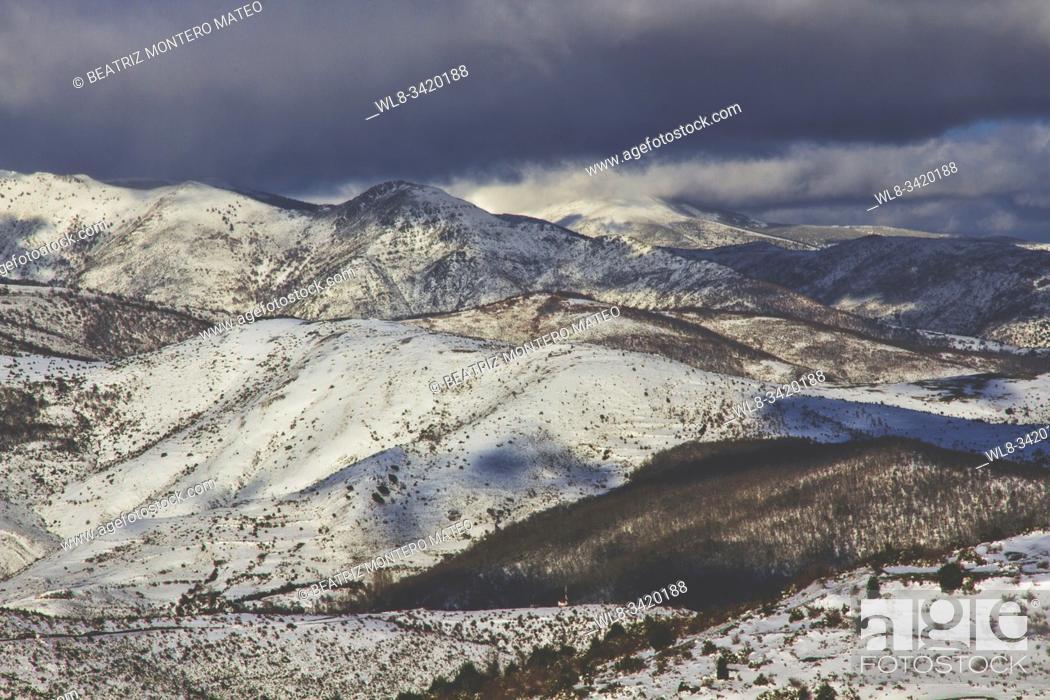 Stock Photo: Snowy mountains in Sierra de la Demanda, Burgos (Spain).