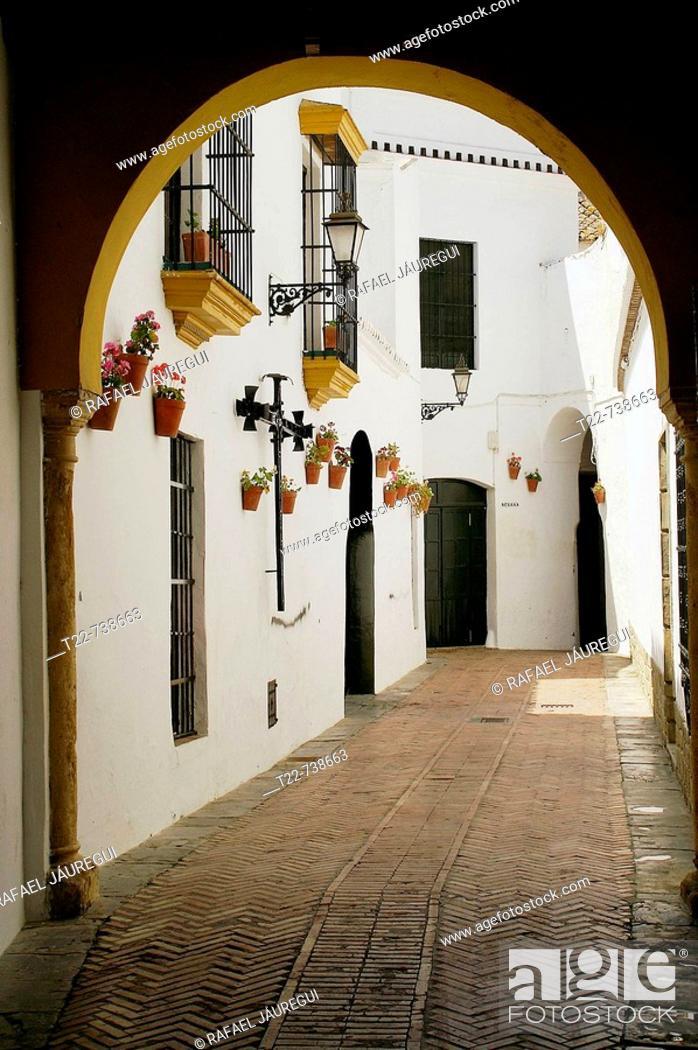Stock Photo: Utrera (Sevilla). España. C/. Niño Perdido (Antigua Juedería) en el casco antiguo de Utrera.