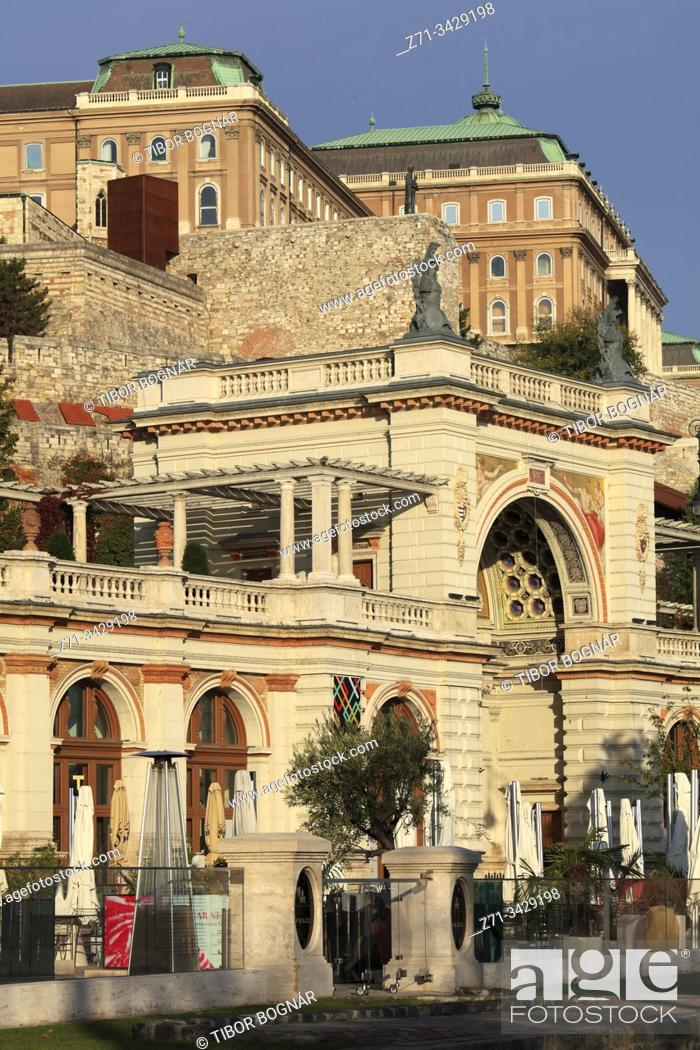Imagen: Hungary, Budapest, Várkert Bazaar, Castle Garden.