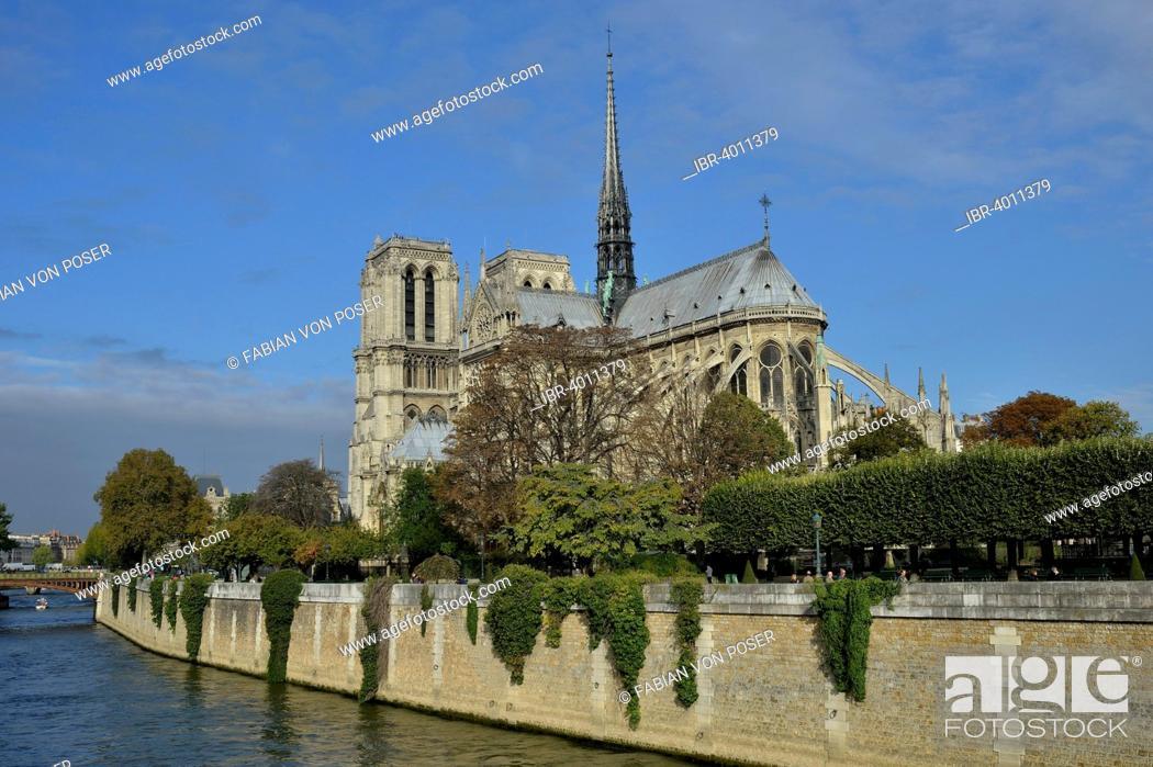 Stock Photo: Notre Dame on the Seine river, Paris, France.