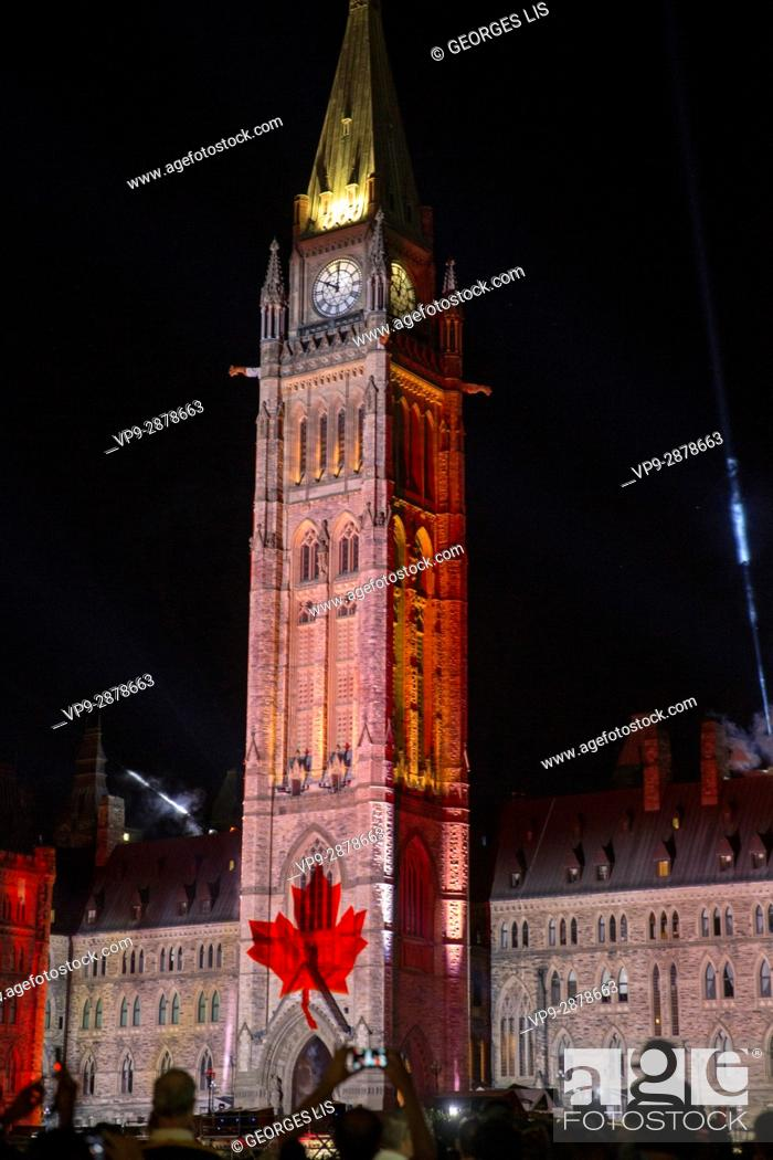 Imagen: Parliament Building Hill Northern Lights light show history Canada capital.