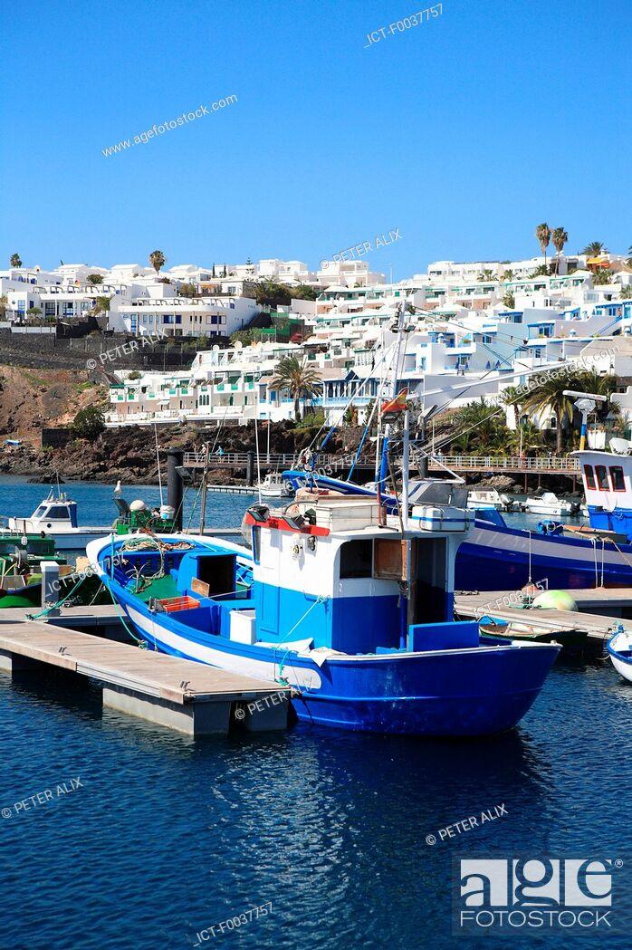 Stock Photo: Spain, Canary islands, Lanzarote, puerto del carmen, the port.