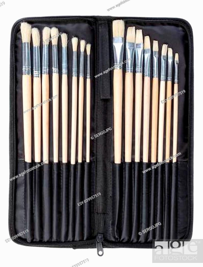 Imagen: A set of brushes for painting in the cover art. On a white background.