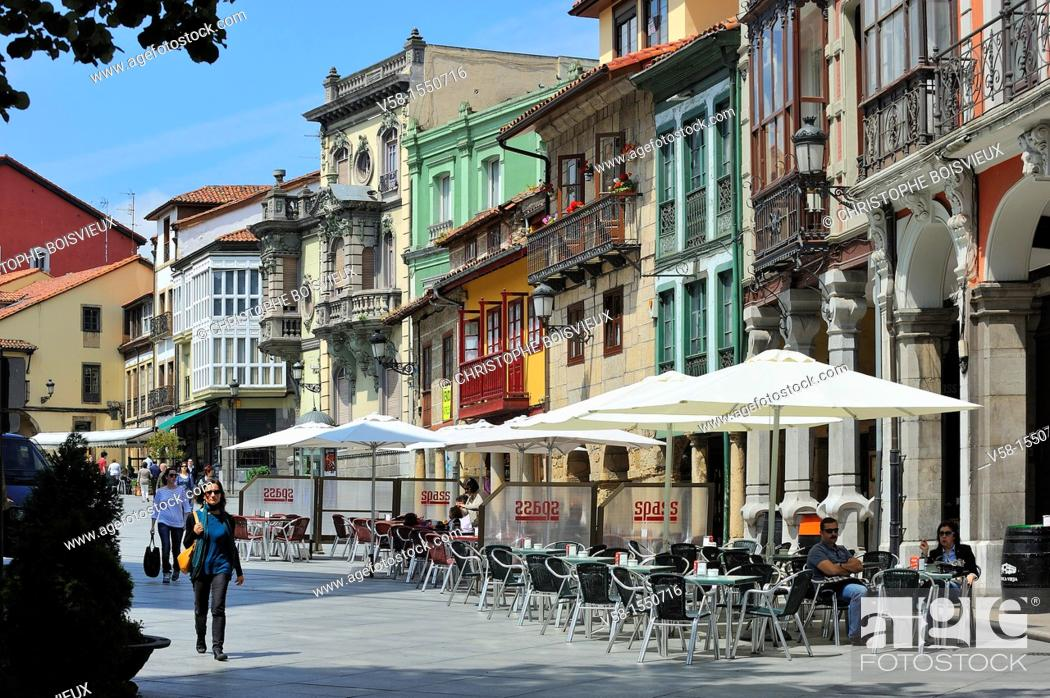 Stock Photo: Spain, Asturias, Aviles, Calle Galiana.