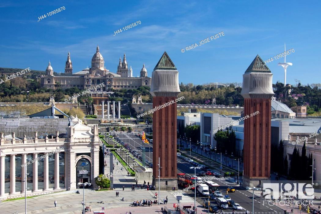 Imagen: Spain, Europe, Catalunya, Barcelona, Espana Square, Montjuich, Palace, National Museum, Venetian Towers,.