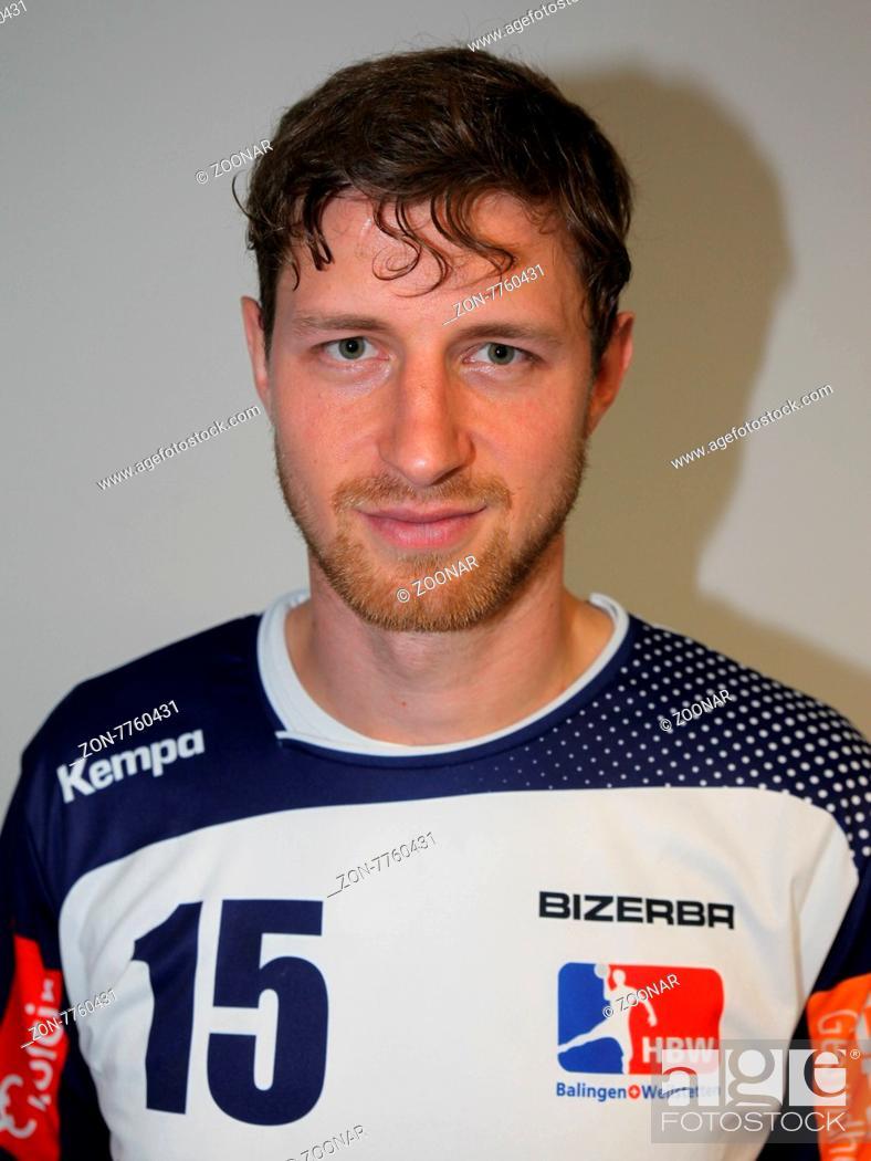 ef988d715a Stock Photo - Martin Strobel (HBW Balingen-Weilstetten) beim DKB  Handball-Bundesligaspiel SC Magdeburg gegen HBW Balingen-Weilstetten am  13.09.2015 in der ...