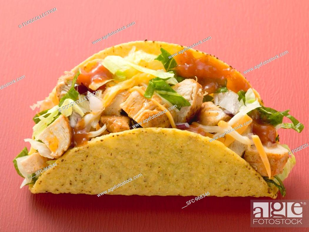 Photo de stock: Chicken taco red background.