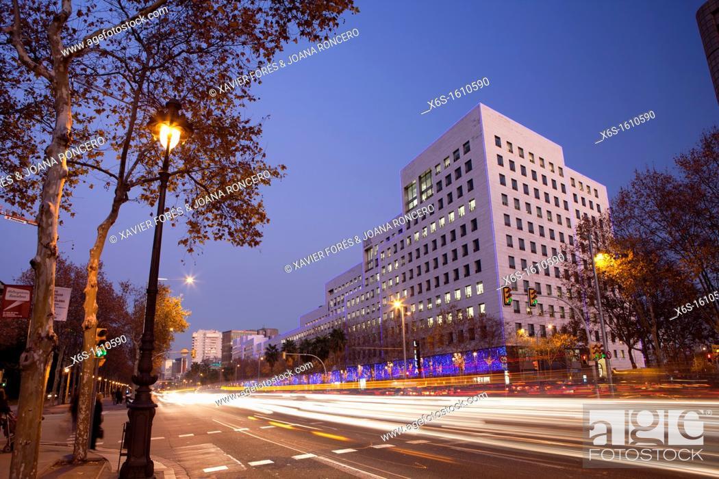 Stock Photo: L'Illa Diagonal shopping center in Diagonal Avenue, Barcelona, Spain.