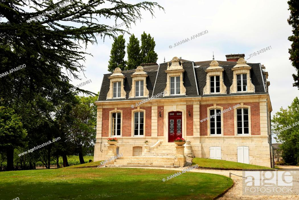 Stock Photo: Chateau Aney, Aquitaine, Gironde, Burdeaux; France.