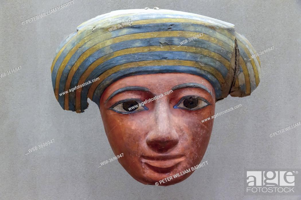 Imagen: Mask of Coffin of Pekherkhonsu, Kushite Dynasty 25, el-Khokha Tomb, Upper Egypt, Thebes, Metropolitan Museum of Art, Manhattan, New York City, USA.